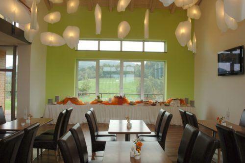 Restaurant: 13