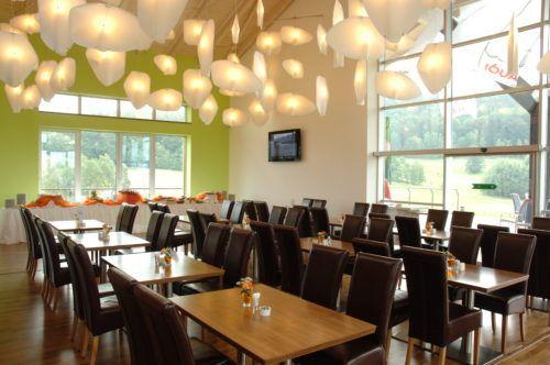 Restaurant: 8